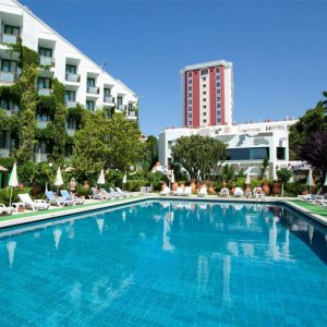 buitenzwembad club hotel sera resort