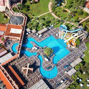 bovenaanzicht zwembad 2