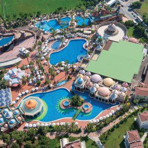 bovenaanzicht zwembaden sentido selin hotel