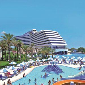 buitenaanzicht titanic beach resort